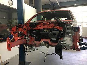 Karosseriebau Richtbank Unfallschaden Werkstatt